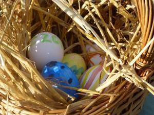 Påske æg i kurven